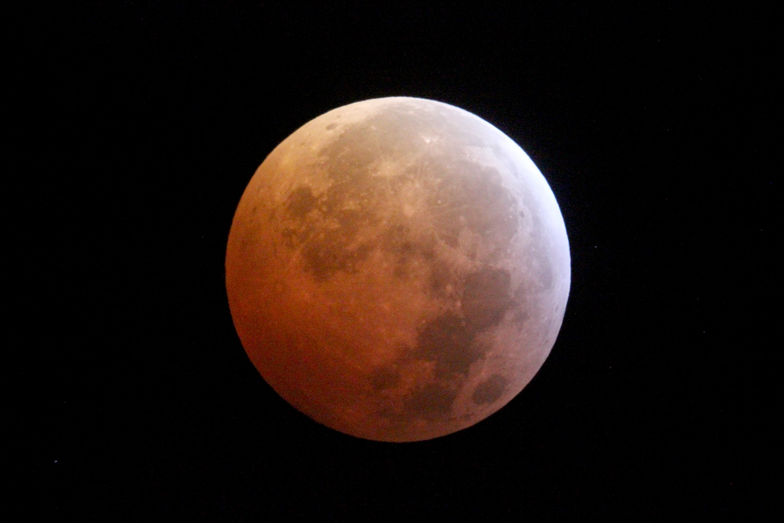 CESAR News - Lunar eclipse from ESAC, 21 Jan 2019